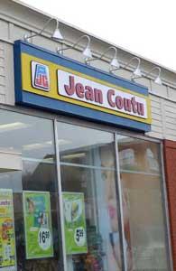 Signage lighting - Gooseneck lighting - Pharmacy Jean Coutu